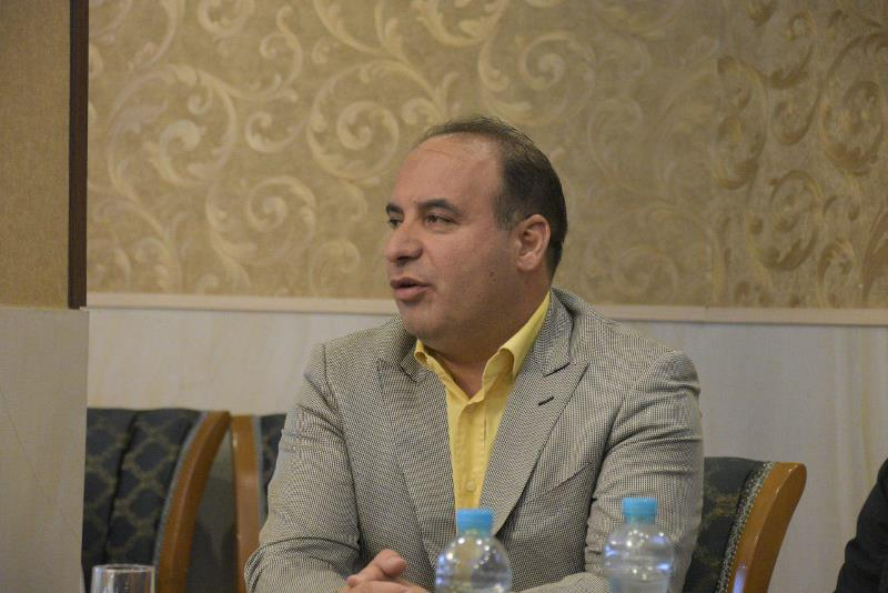 محمد فروغی: از سیاهنمایی درباره ایران ناراحت میشوم