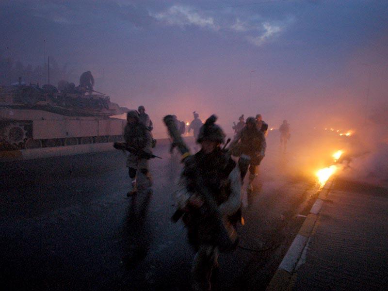 عکاسی زیر آتش: اشلی گیلبرتسون