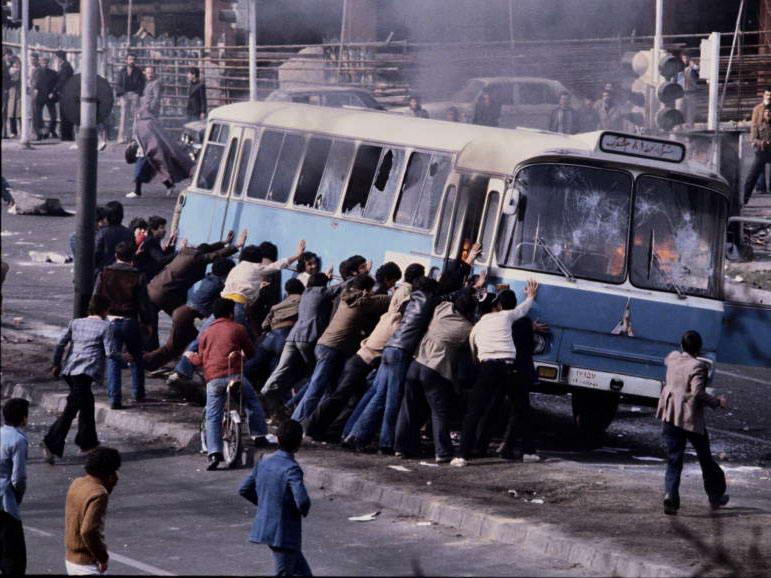 عکس روز: تهران، بهمن ۱۳۵۷