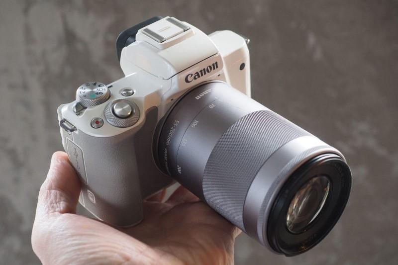 بررسی دوربین کانن M10