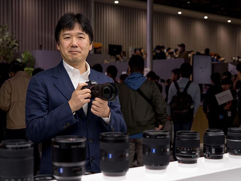 عرضه دوربینهای فولفریم بدونآینه کانن و نیکون تا سال آینده