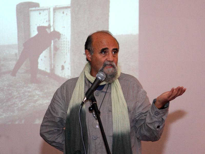 آناهیتا قبائیان: دنیای عکاسی احترام بسیاری برای عباس قائل بود