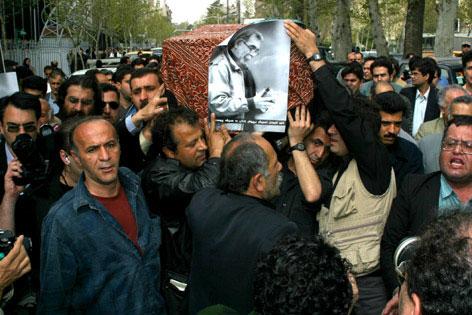 سیروس علی نژاد: کاوه گلستان شهادت داد به رنج آدمی