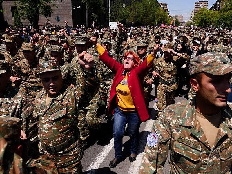 عکس روز: پیروزی اراده مردم در ارمنستان
