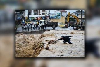 اعزام گروه تئاتر به مناطق سیل زده