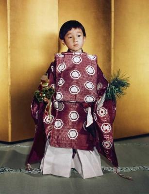 امپراطور آکیهیتو در بچگی